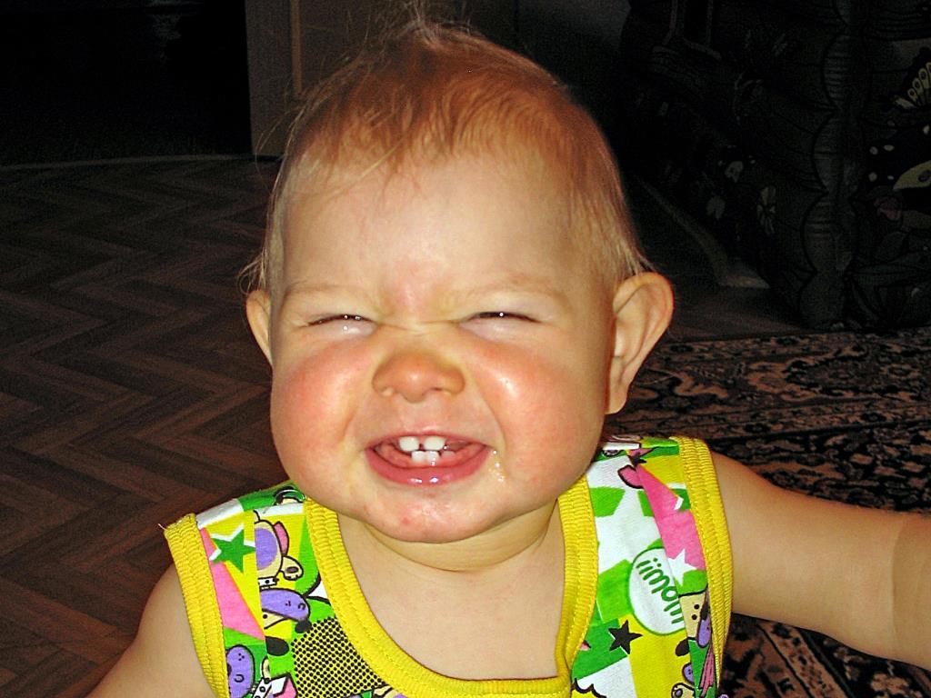 Ах, какие зубы!. 'Дантинорм Бэби' – каждый зубик в радость!