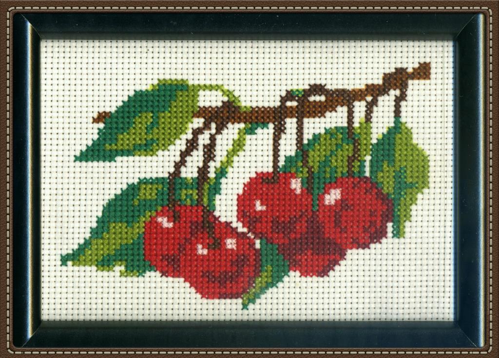 Спелая вишня. Фрукты-овощи