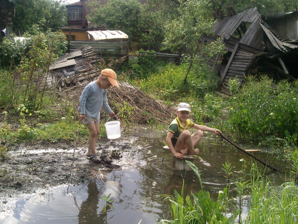 Хороша дачная рыбалка и удочка не нужна!!!. Дачники и дачницы