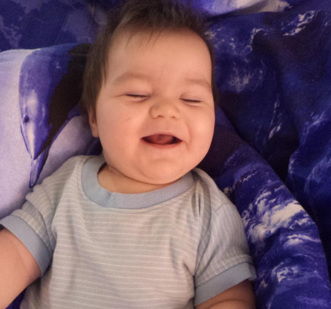 С раннего детства с улыбкой идем по жизни. С улыбкой по жизни