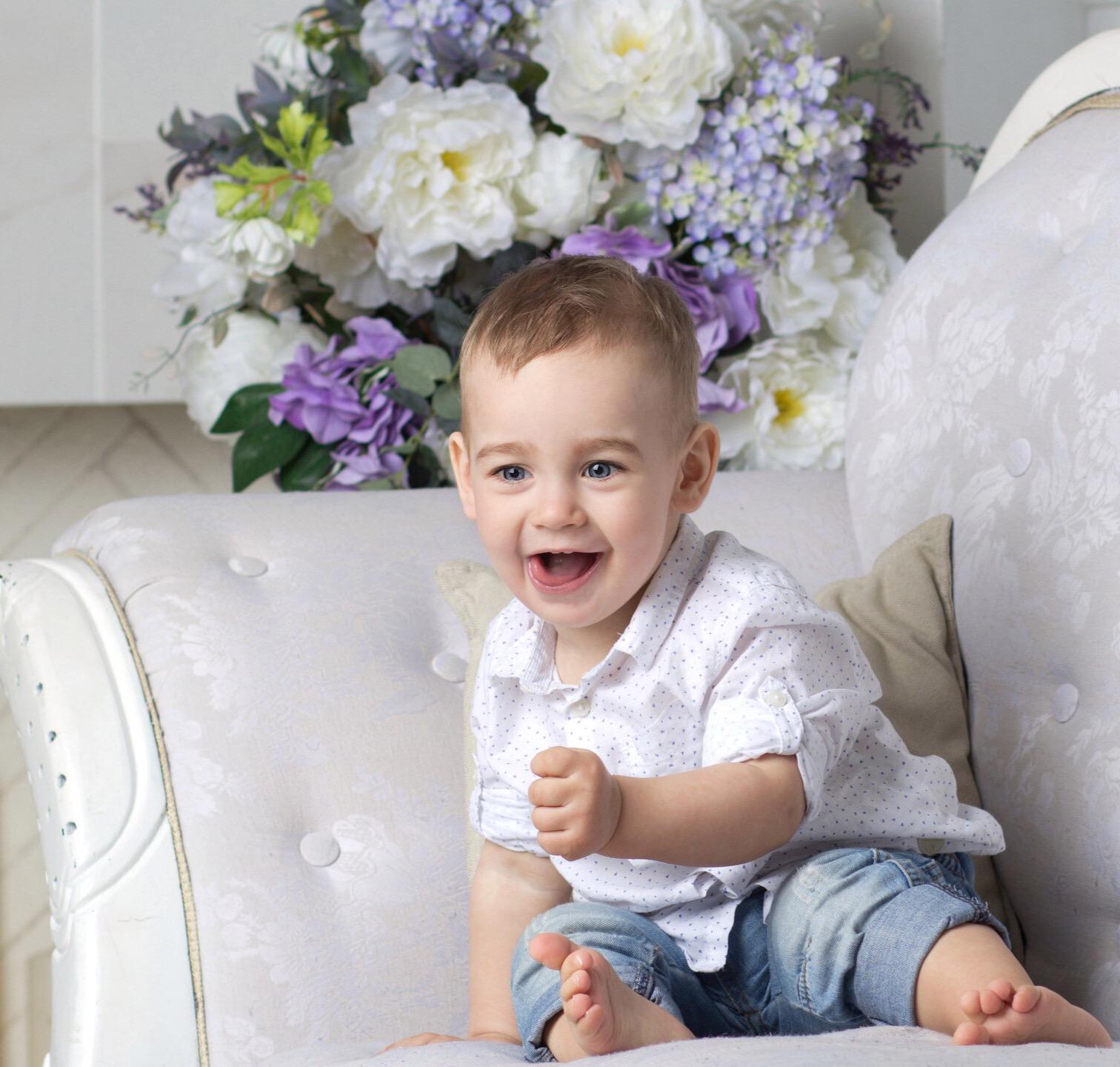 Радостный Егорушку . С улыбкой по жизни