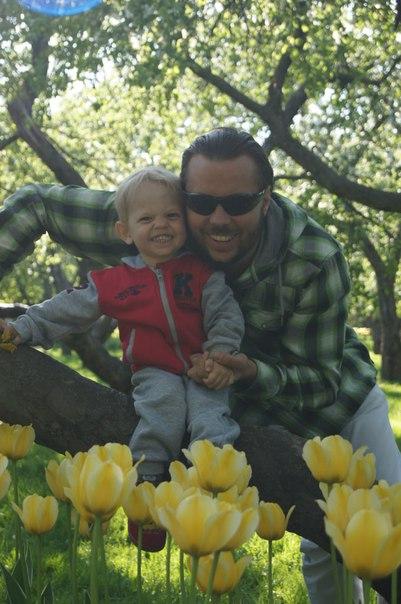 Всегда с улыбкой по жизни мои красивые мальчики.. С улыбкой по жизни