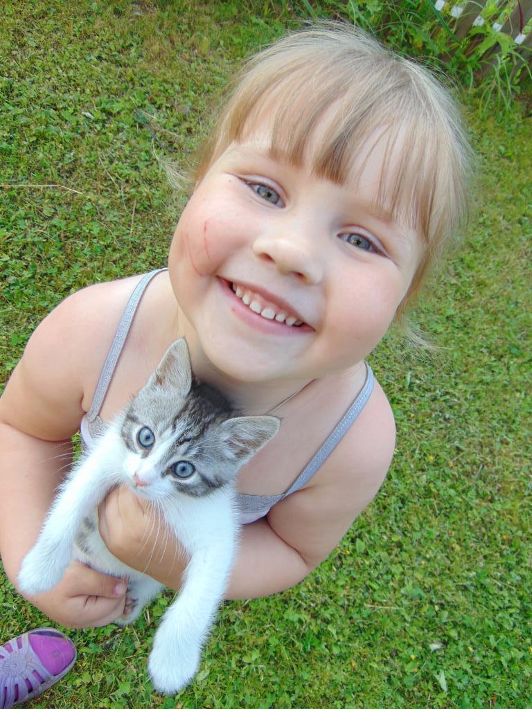 Сероглазые улыбашки!. С улыбкой по жизни