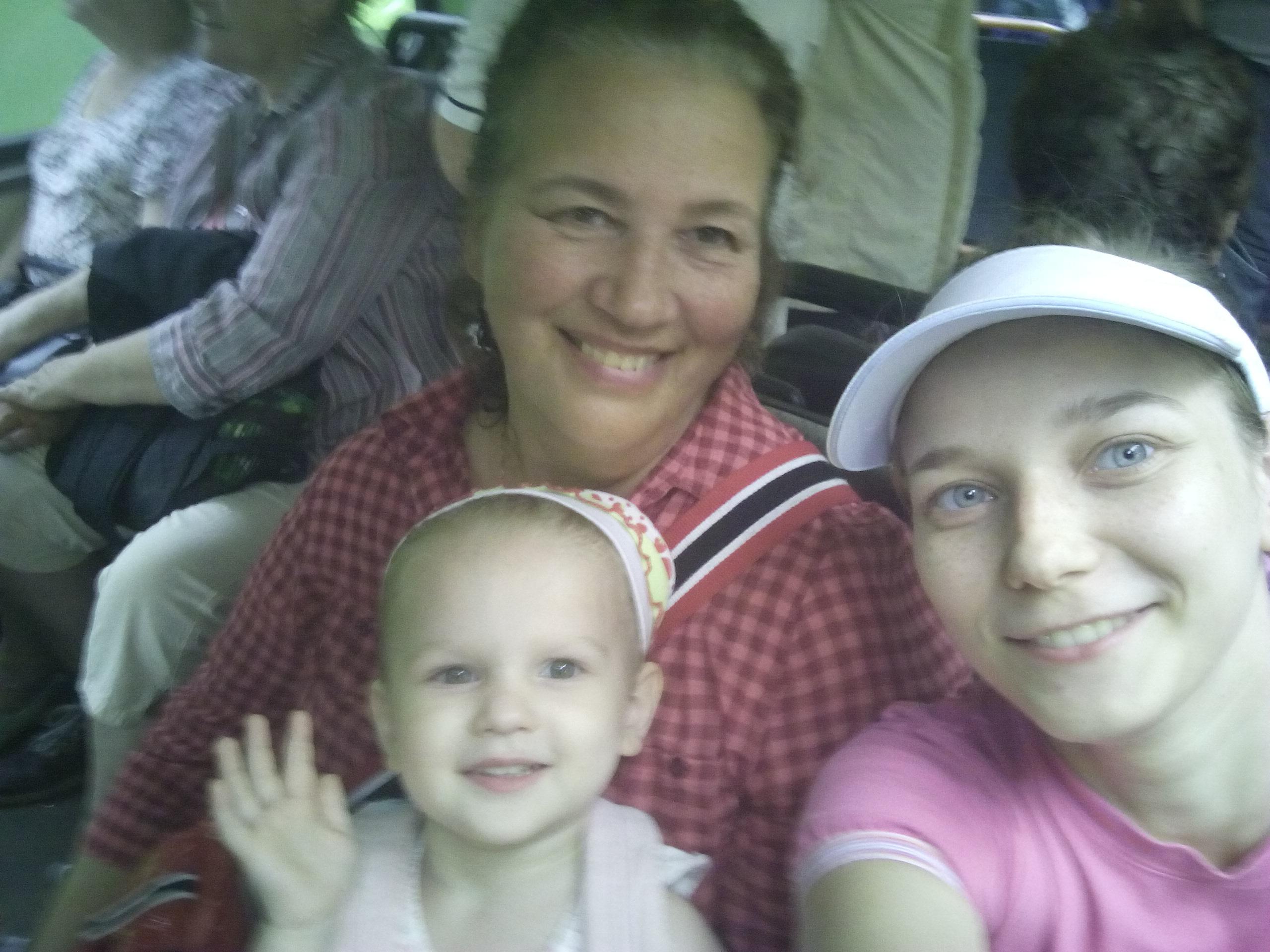 Улыбок много не бывает. Три поколениния . С улыбкой по жизни