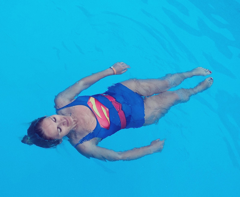 Релакс в бассейне).
