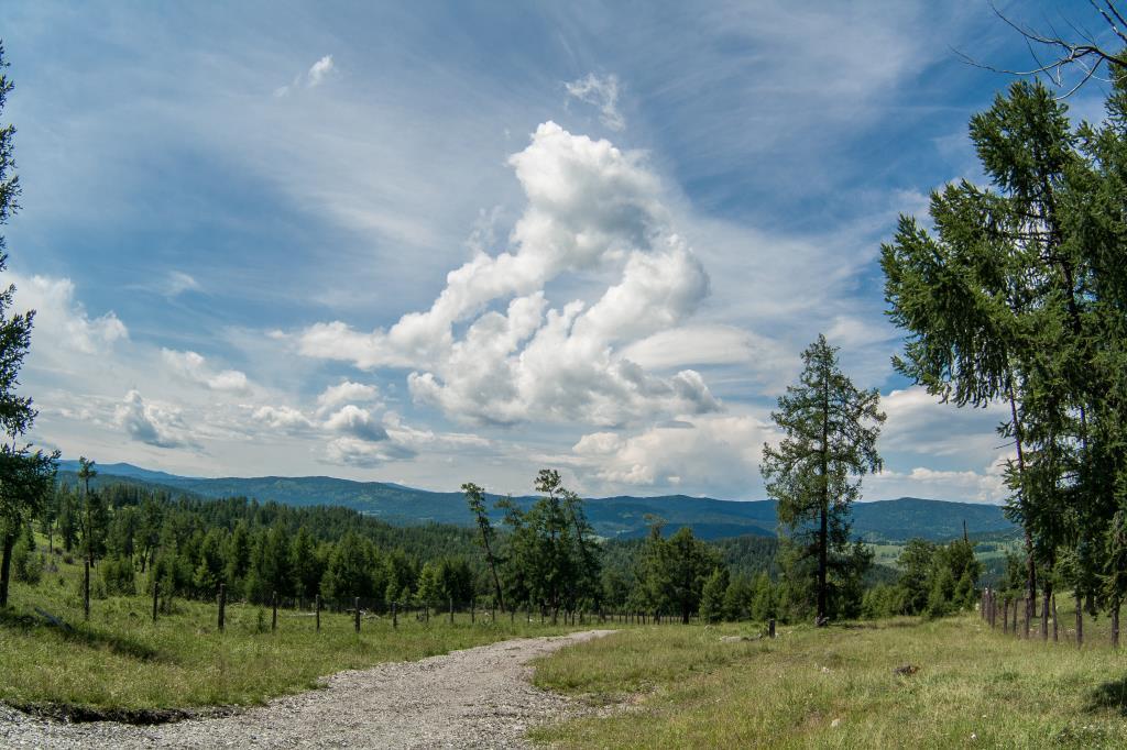 Горы... Там, где рождаются облака.... Блиц: летнее небо