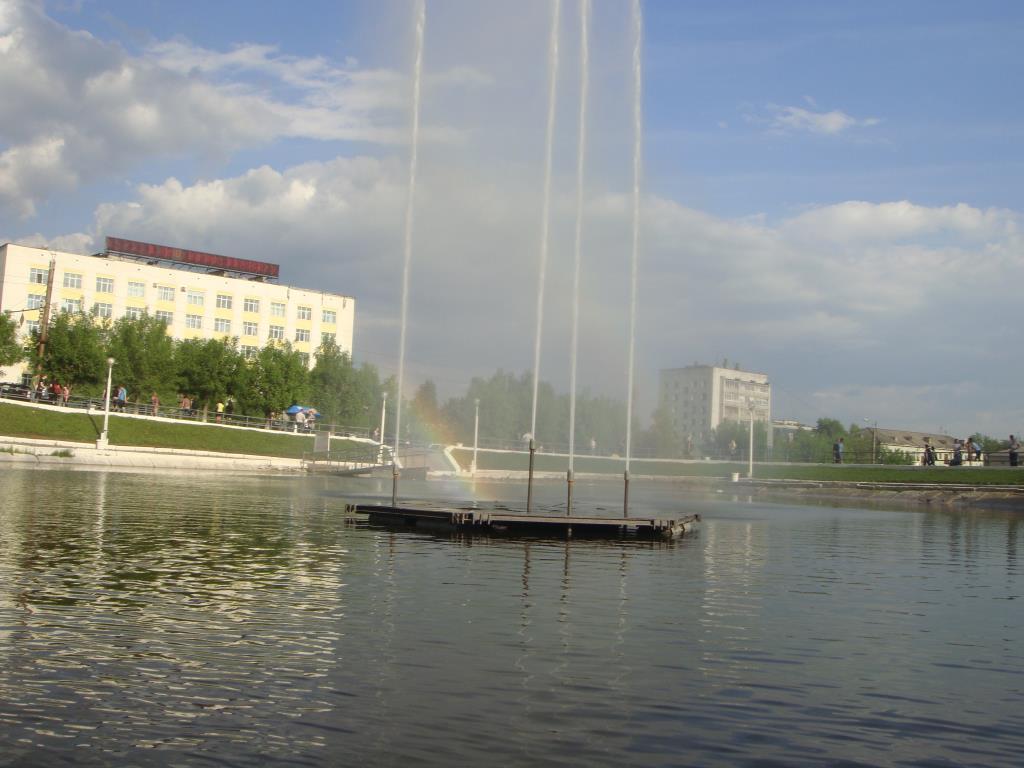 Фонтан в Кирове.. Блиц: фонтаны