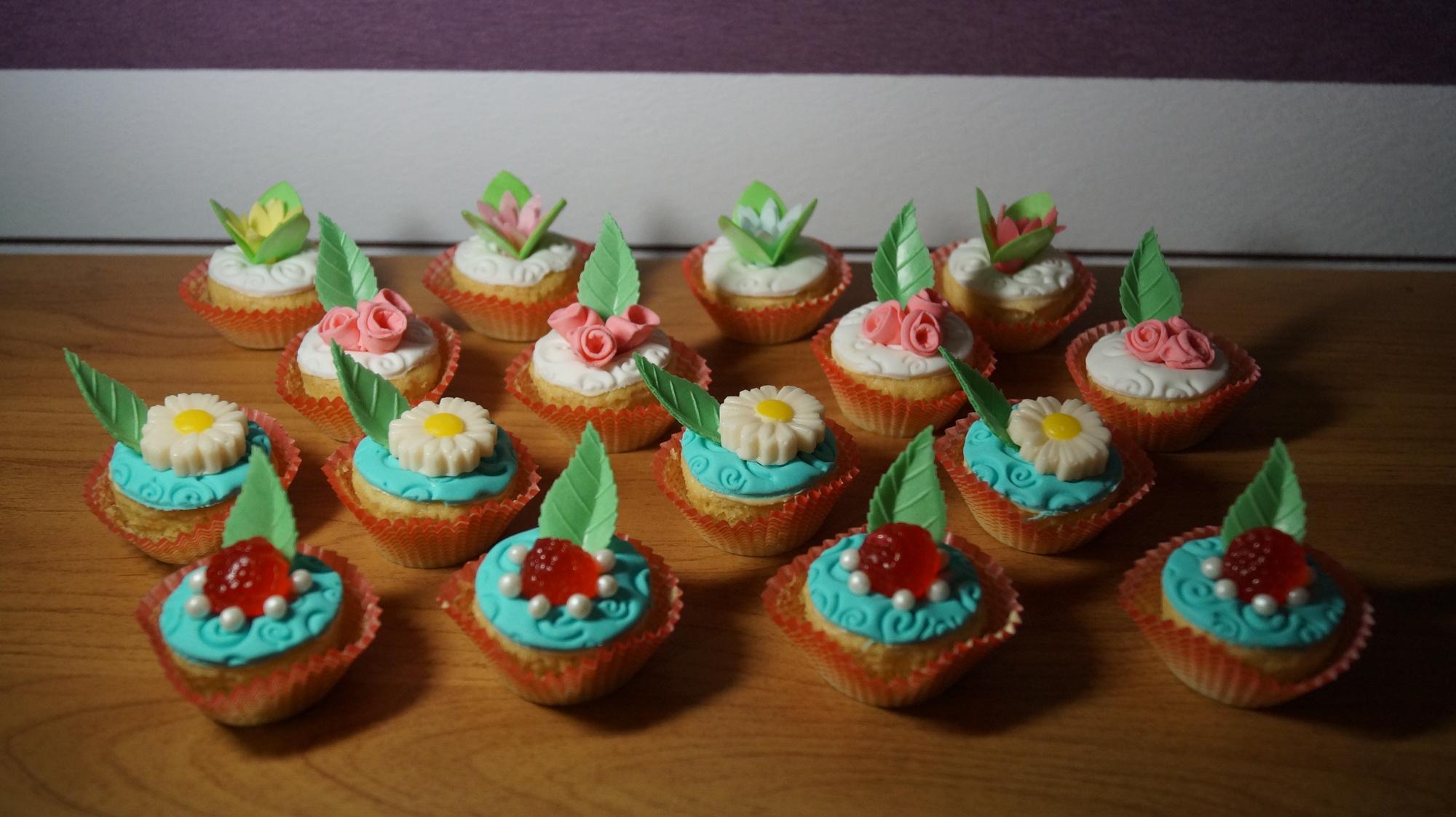 Мини кап-кейки любят взрослые и дети!. Блиц: десерты
