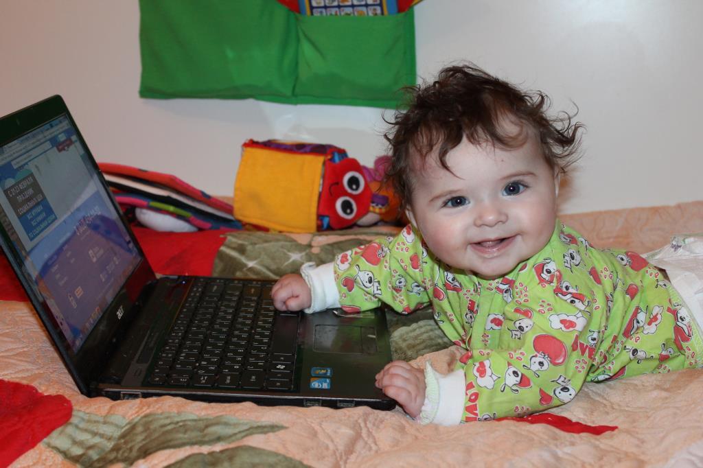 Погремушки в стороне, Ариадна в интернете. Дети в интернете