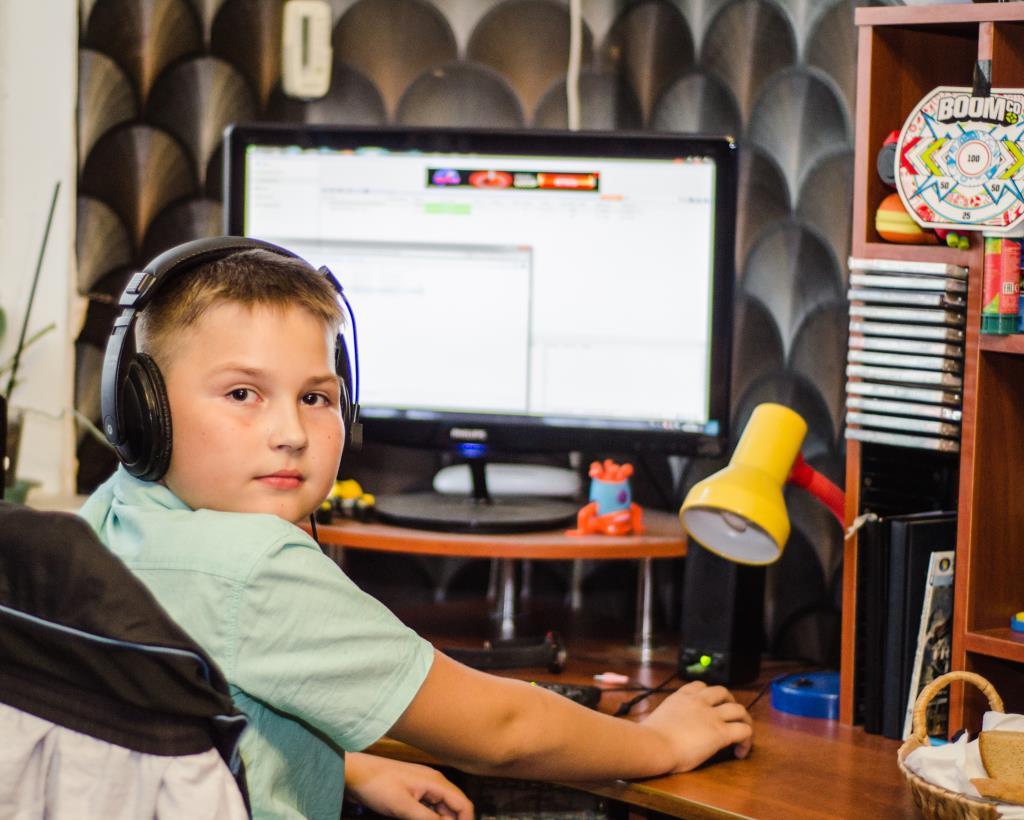 Компьютерный гений. Дети в интернете