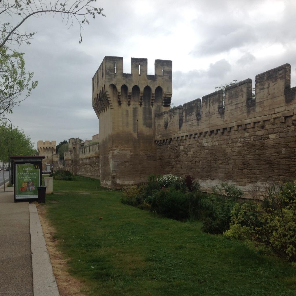 Авиньонская стена. Блиц: стены