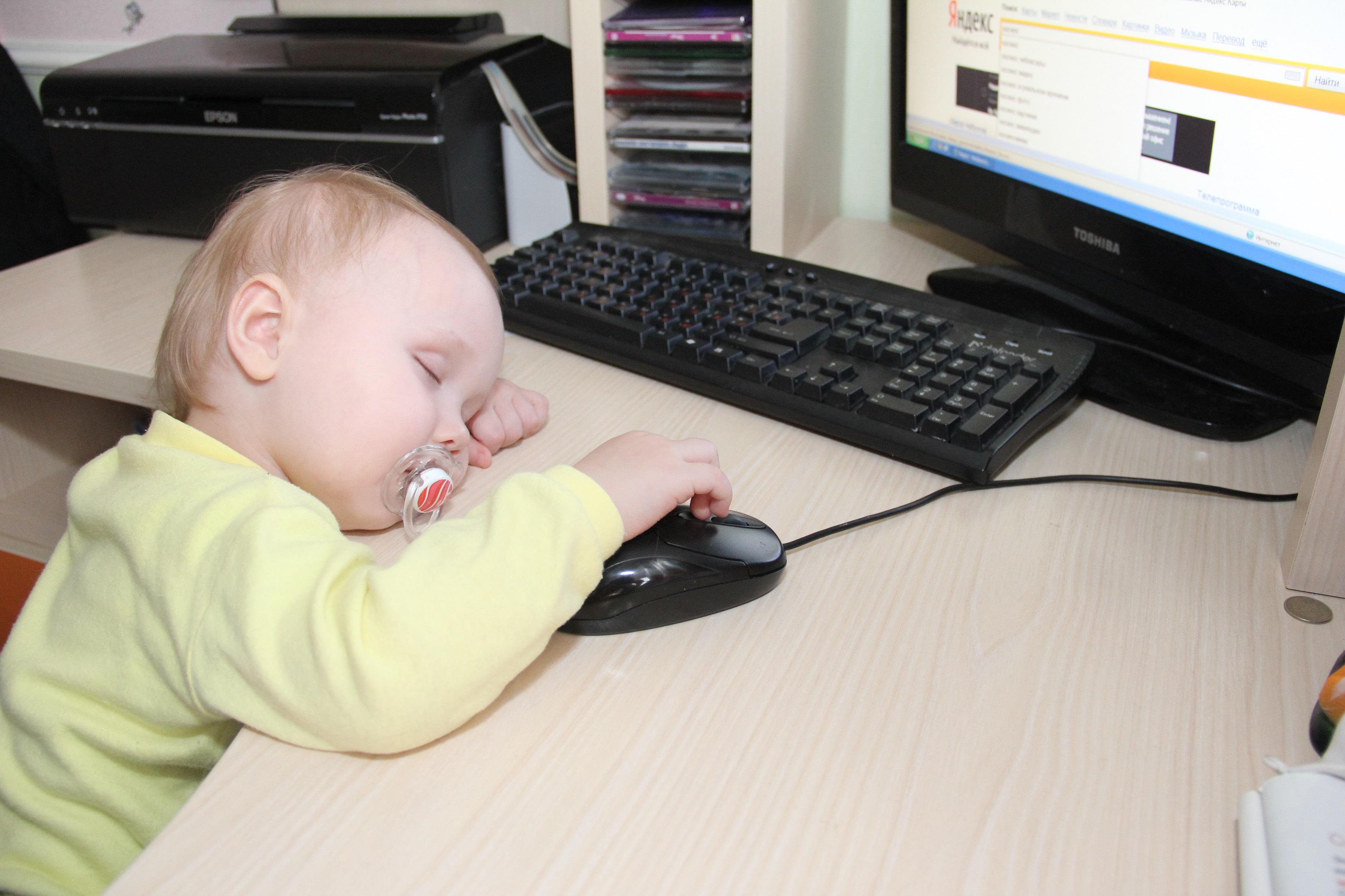 Маленький гений). Дети в интернете