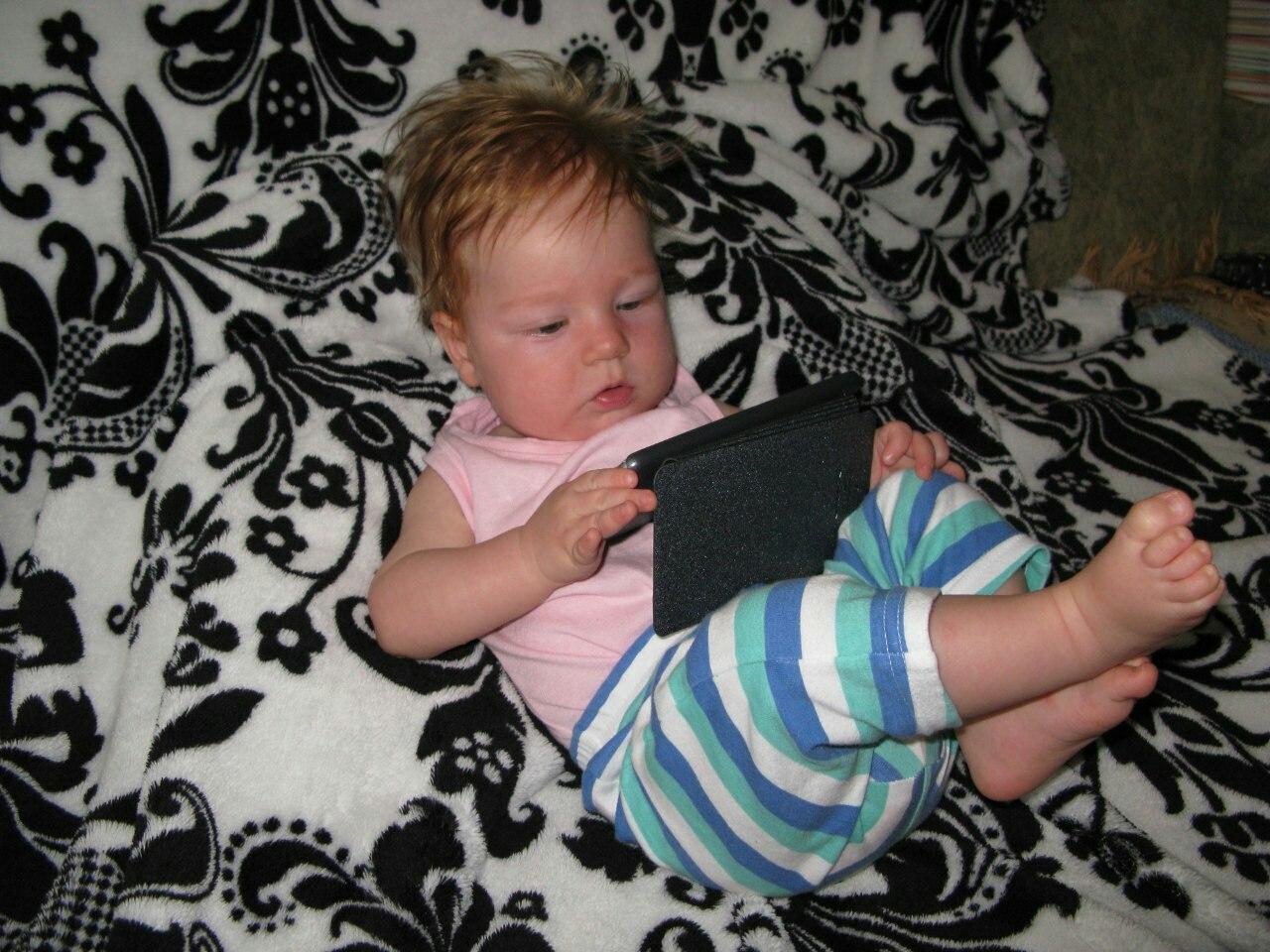 что то инет глючит:). Дети в интернете