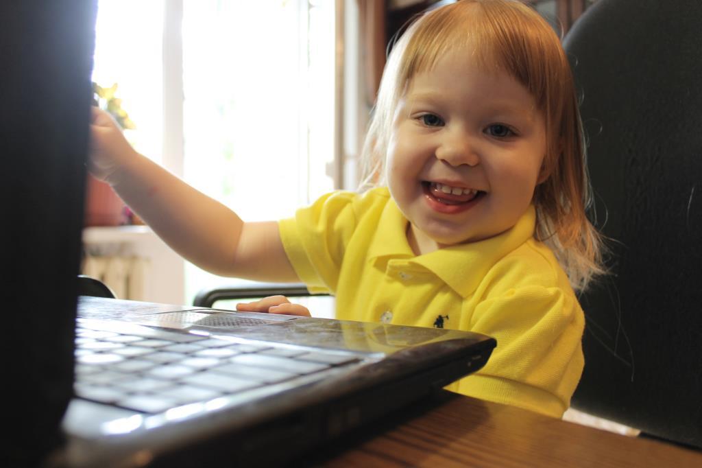 Посижу в интернете пока родители не видят:). Дети в интернете