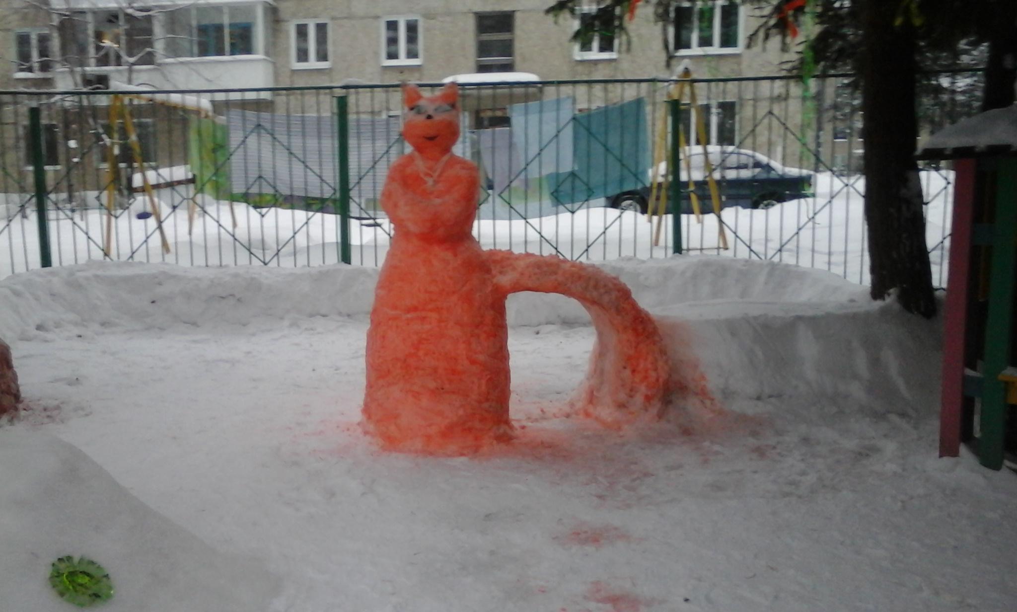 Лиса-краса. Блиц: из снега и льда