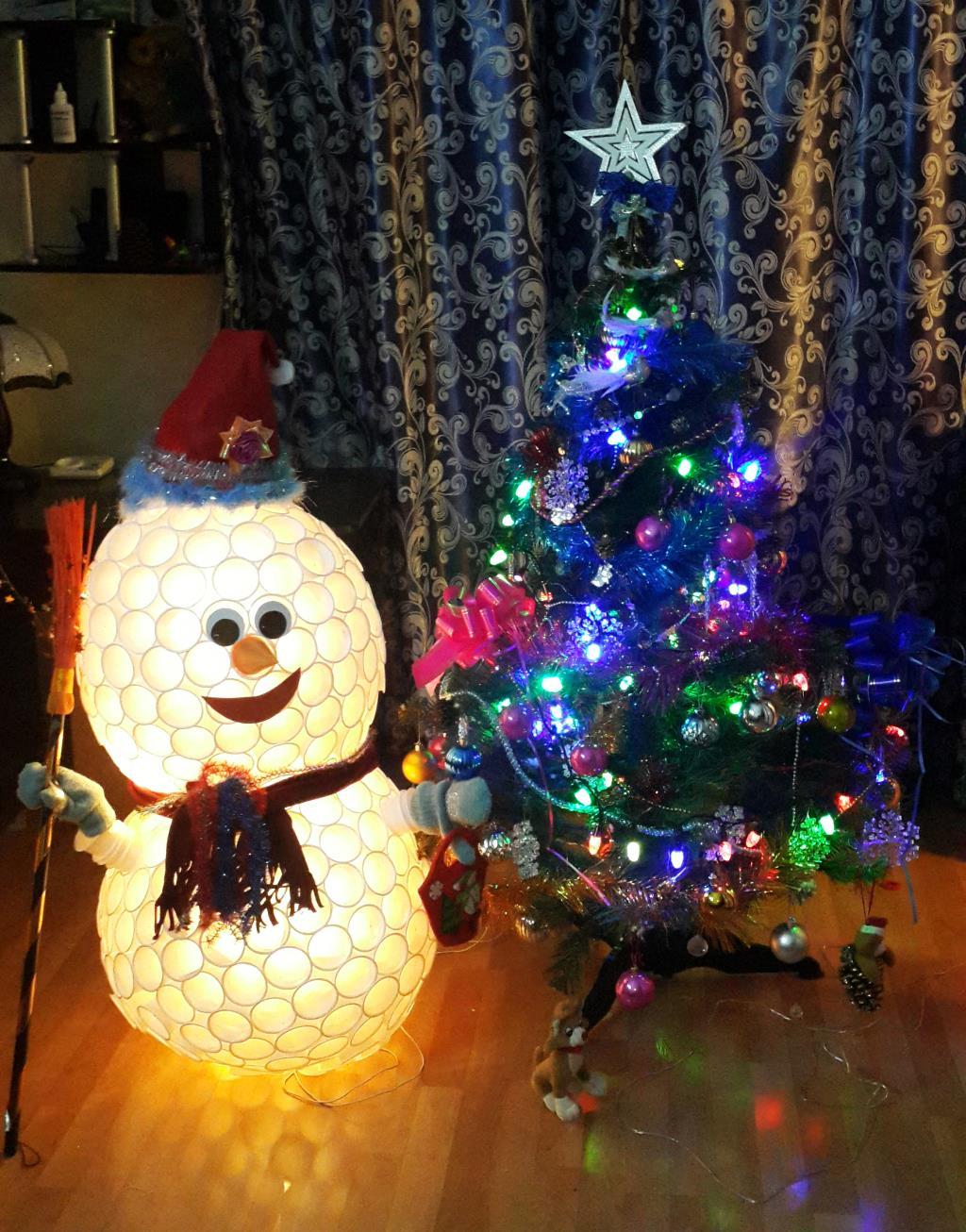 Ёлка и Снеговик из стаканчиков.. Блиц: новогодняя елочка