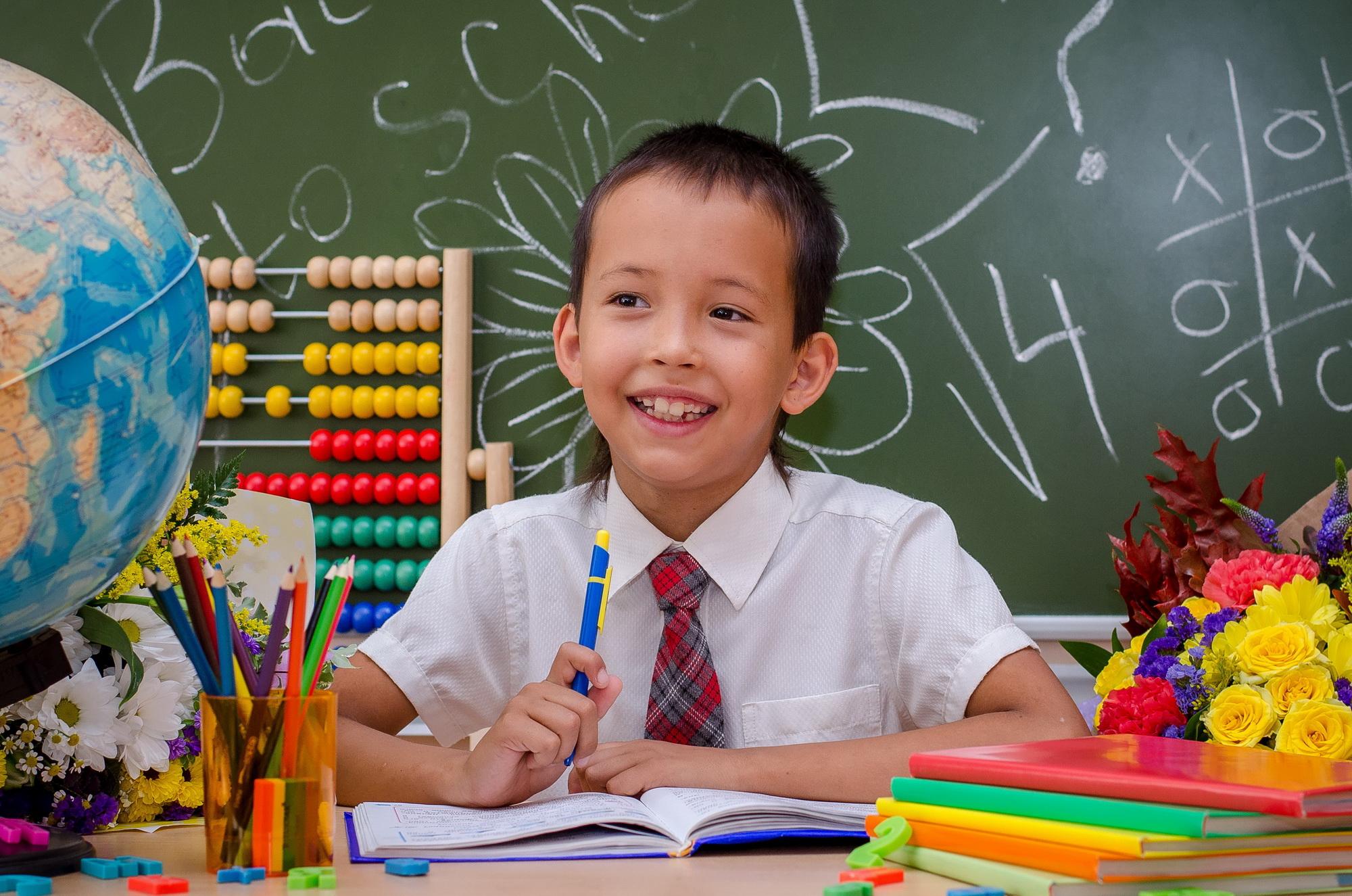 Счастливый третьеклассник . Здравствуй, школа!
