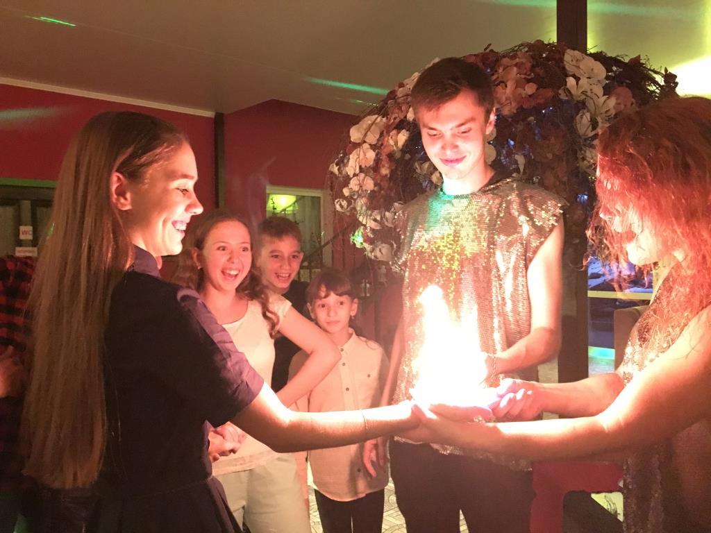 Зажгли на дне рождения!. Поздравление с Днем Рождения