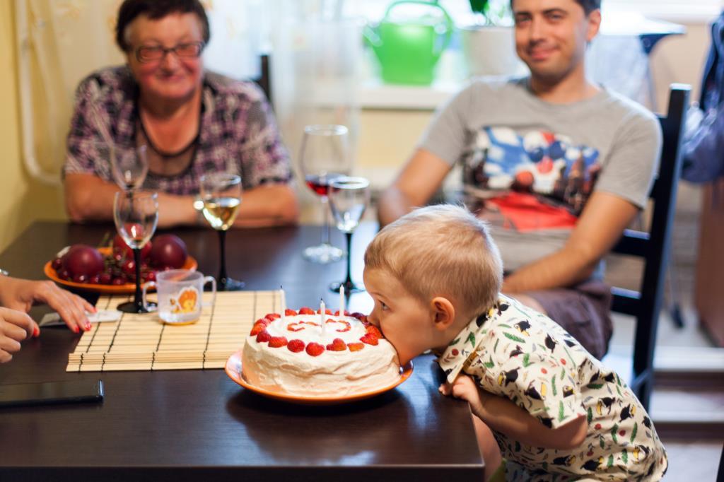 Мой торт - ем как хочу!. Поздравление с Днем Рождения