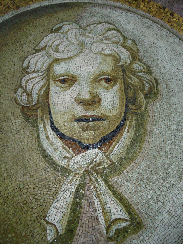 Мозаика внутри купола базилики св.Петра, Ватикан. Блиц: музейный экспонат