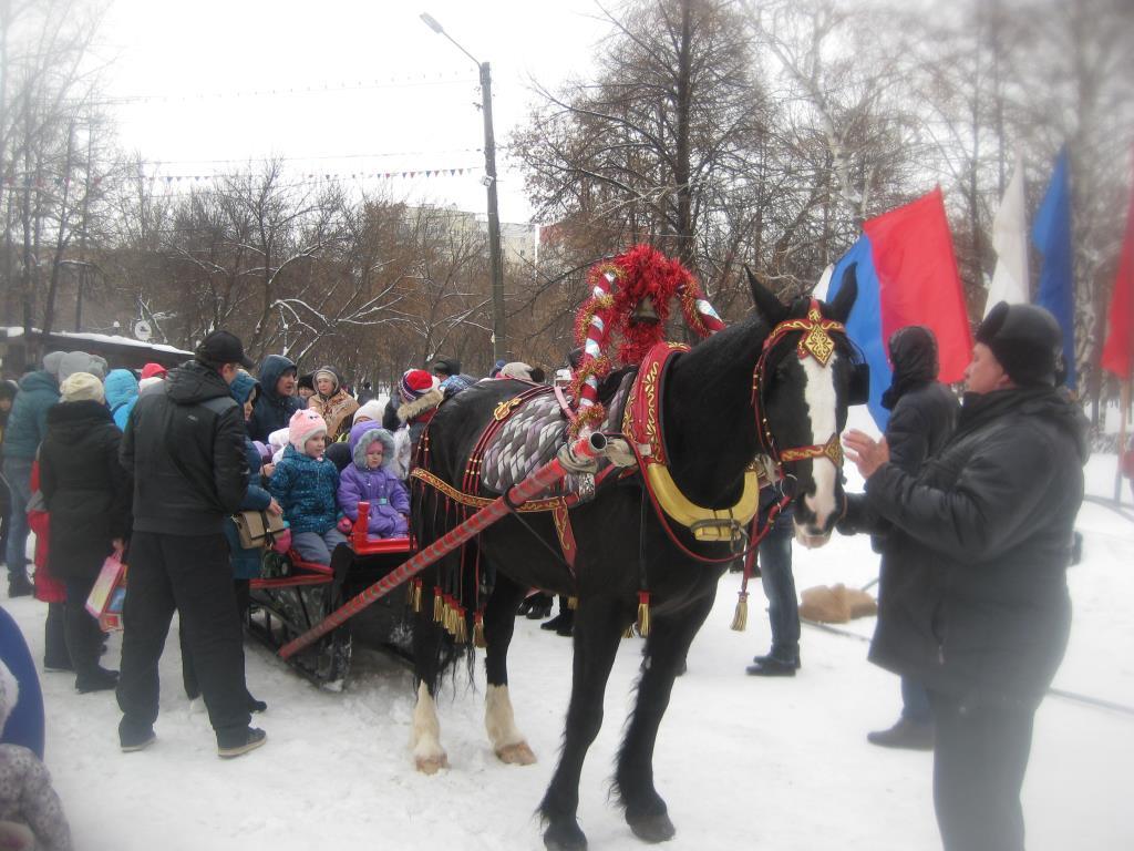 Снег пушистый серебрится,По дороге Тройка мчится !. Зимние забавы