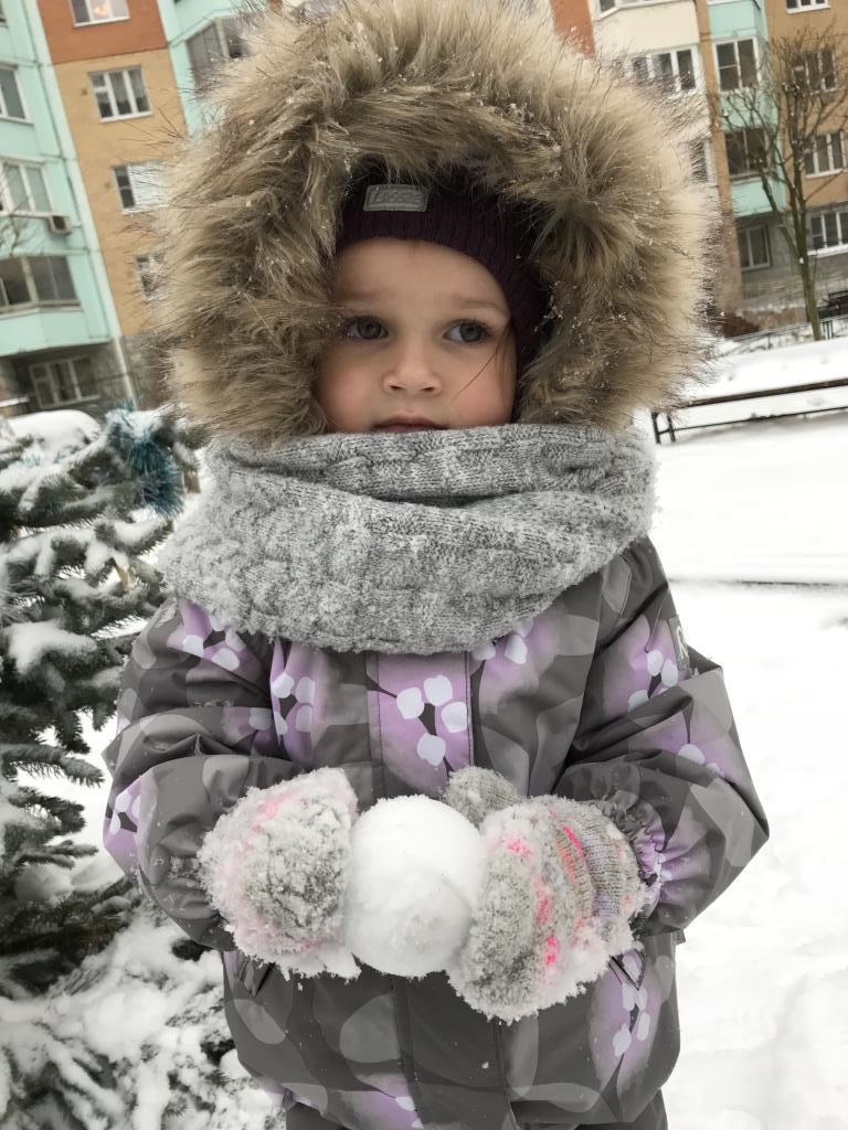 Лепим и играем в снежки!.