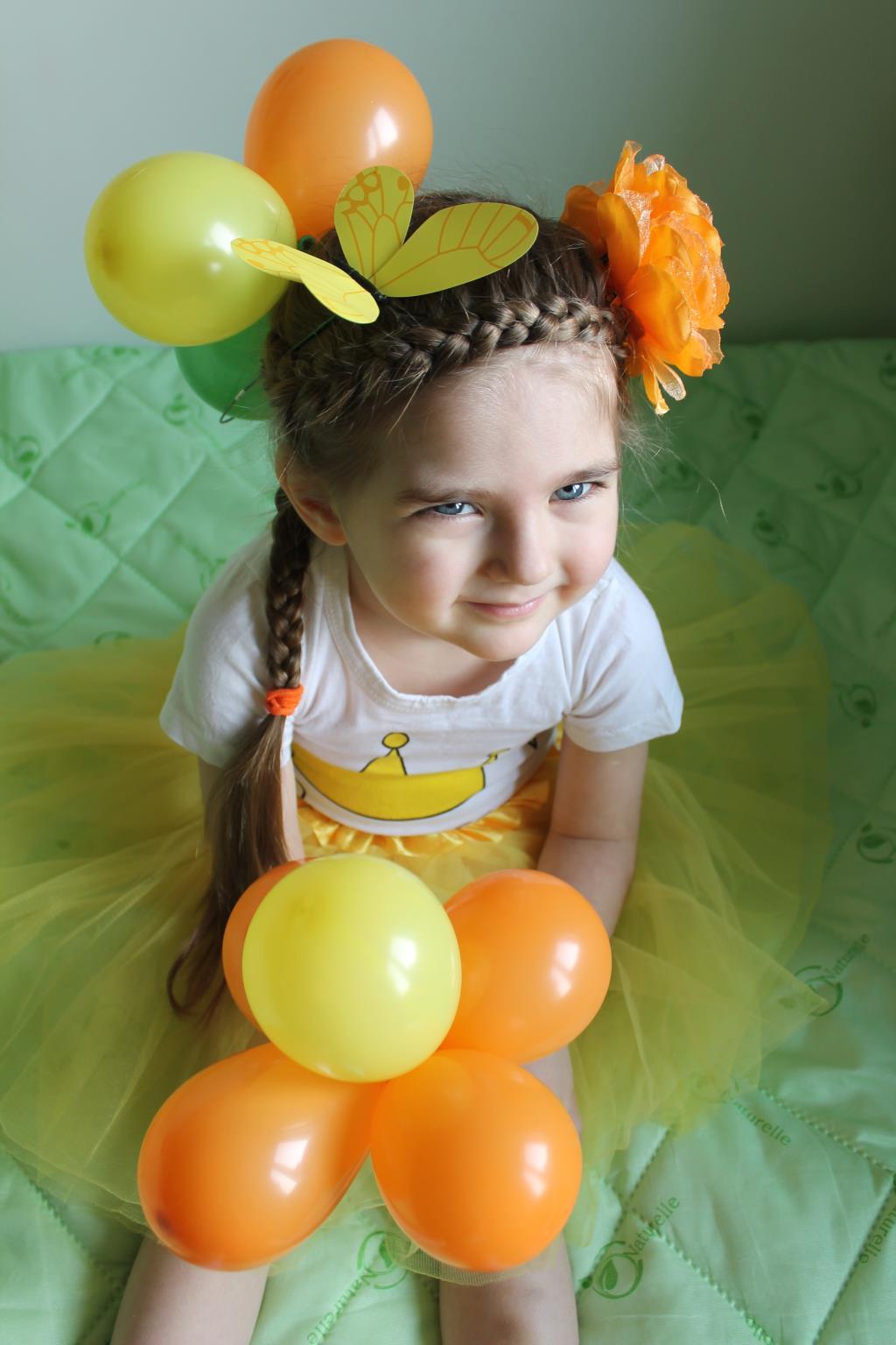 Прическа: Весеннее настроение.Солнце,бабочки,цветы. Прическа под настроение