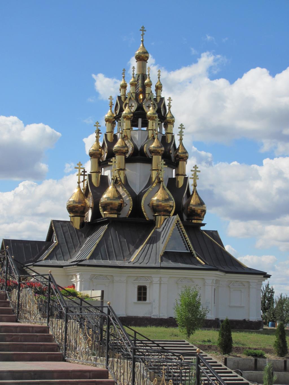 33-х купольная церковь г. Серафимович Волгогр. обл. Блиц: купола