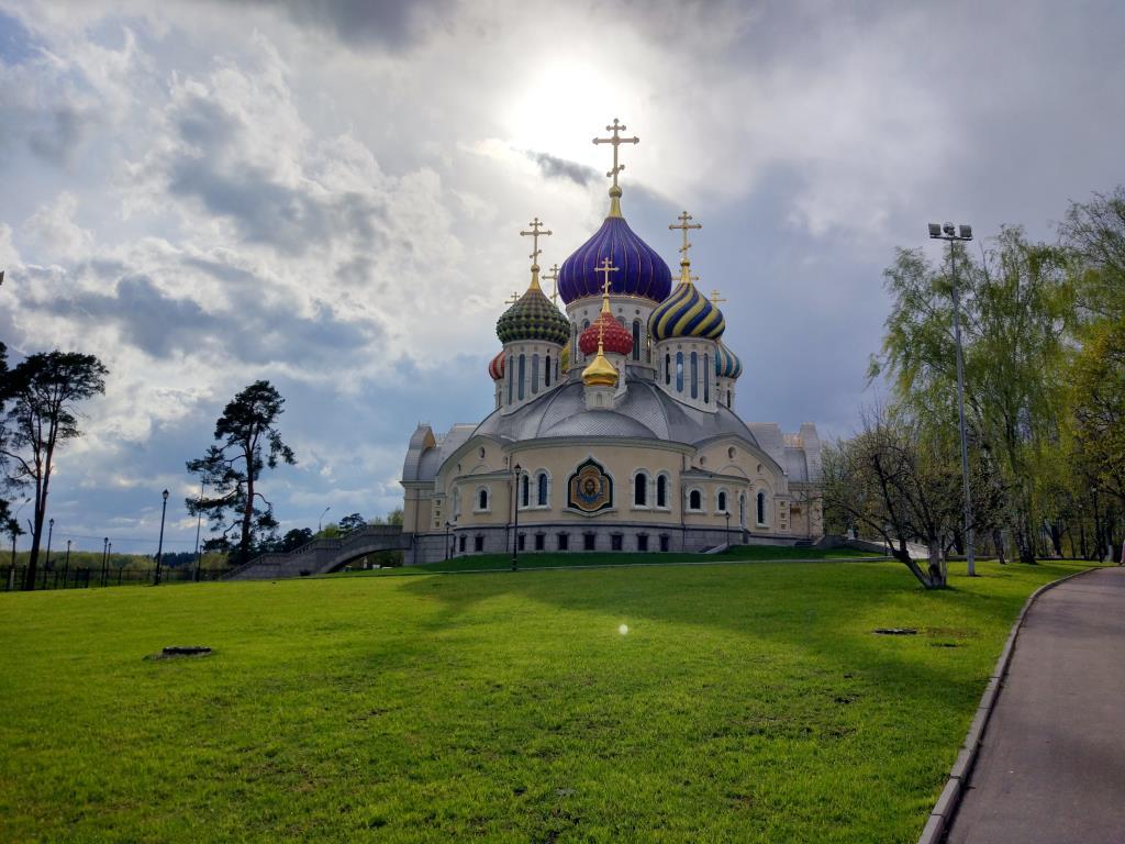 Храм Святого Игоря Черниговского в Ново-Переделкин. Блиц: купола