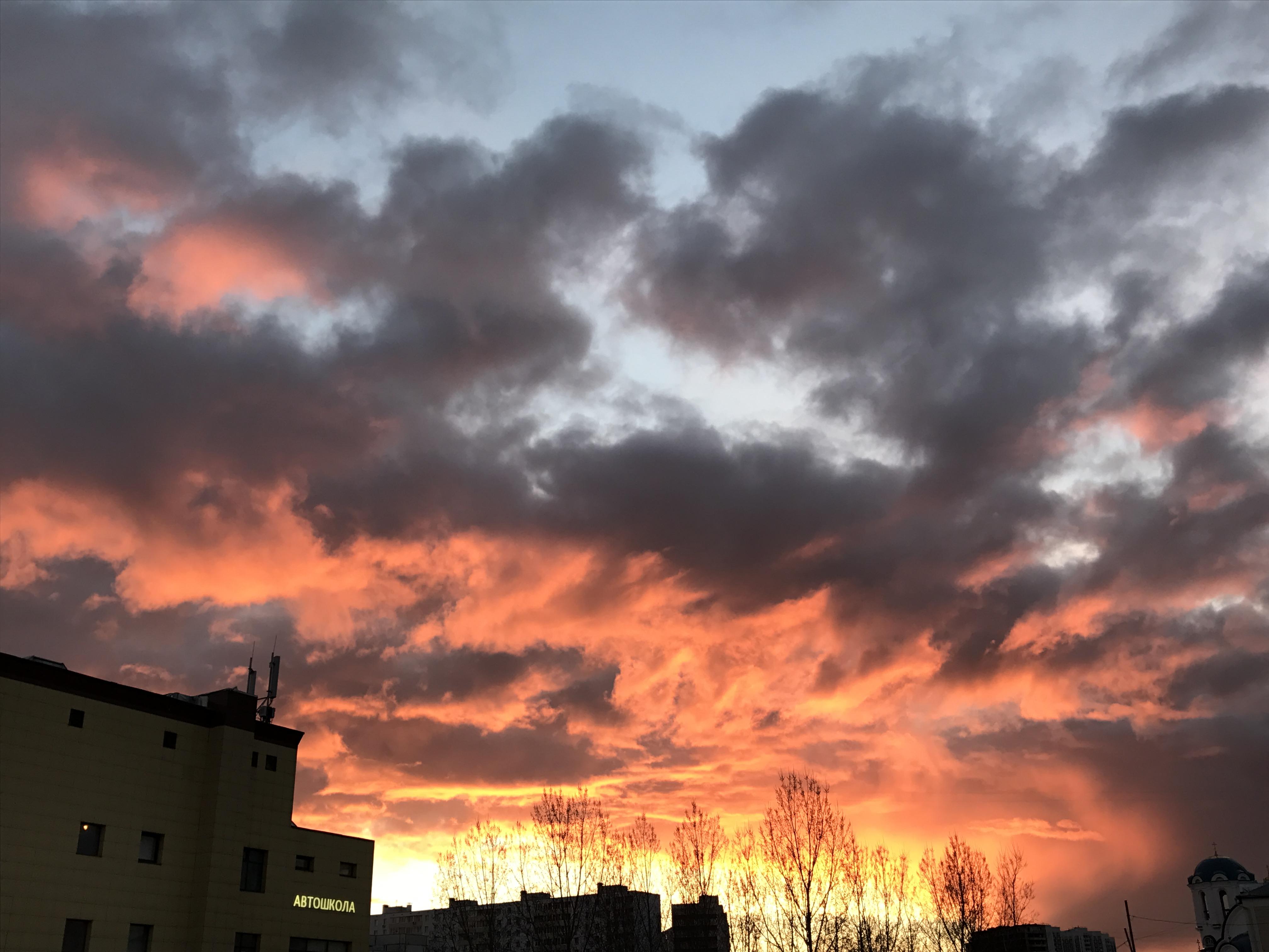 Огненный закат. Блиц: облака