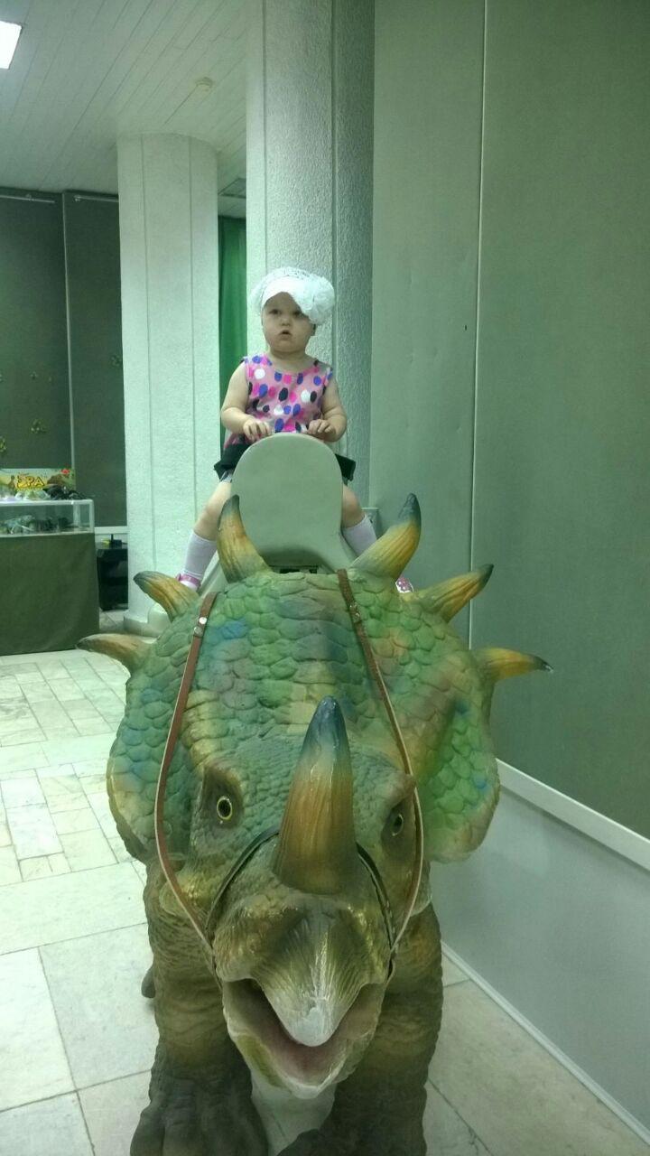 покорительница динозавров))). Любимые динозавры