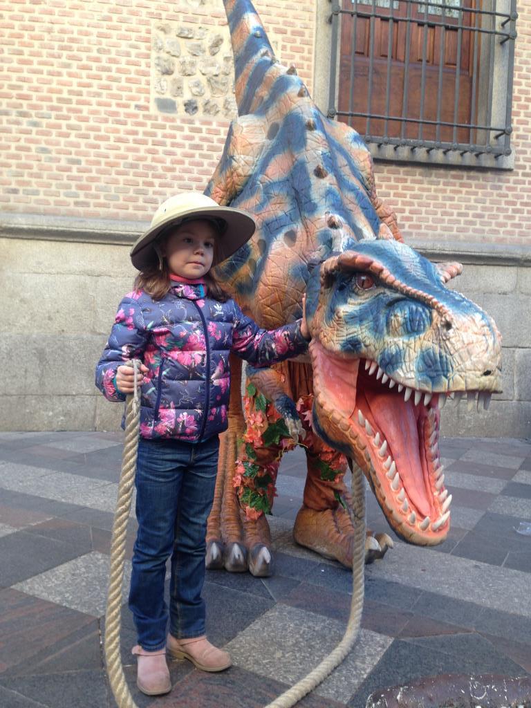 Мы с Тамарой ходит парой. Любимые динозавры