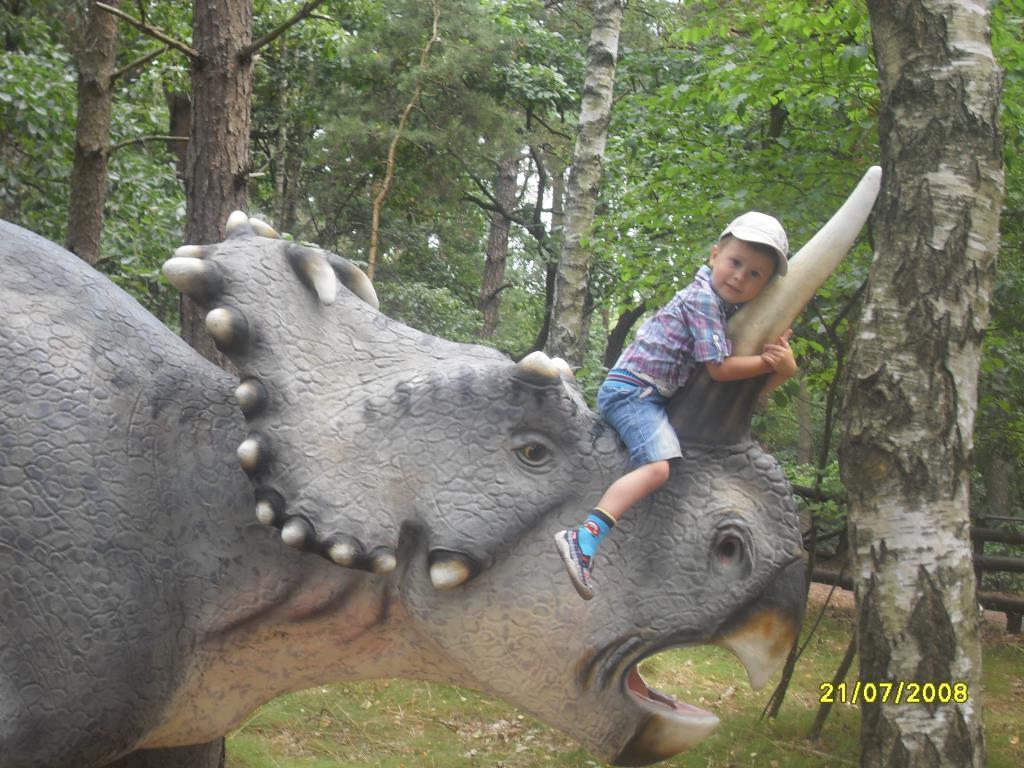 Ярик и Дино. Любимые динозавры