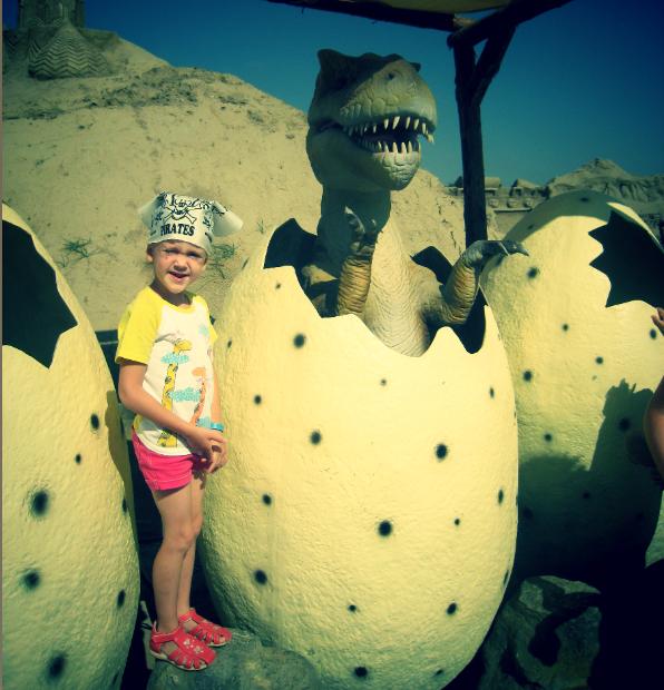 Новорожденный динозаврик. Любимые динозавры