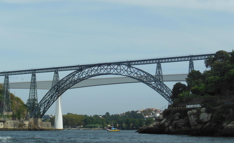 Смешение эпох. Португалия, Порту.. Блиц: мосты