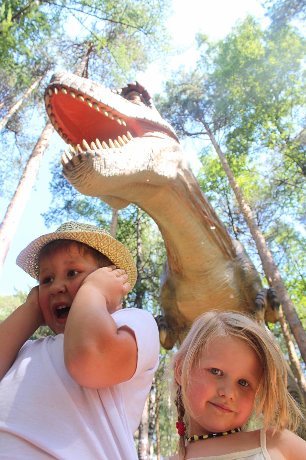Тирекс атакует. Любимые динозавры