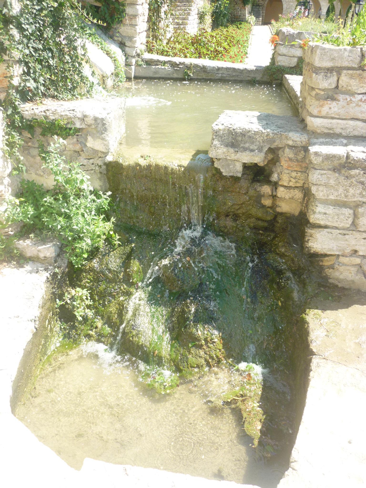 Болгария. Водопад. 2015 год.. Блиц: брызги