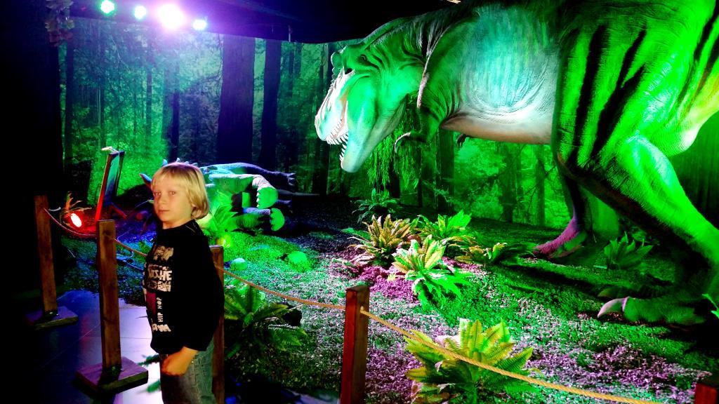 Соберу всю волю в кулак, да поспешу на помощь...!. Любимые динозавры