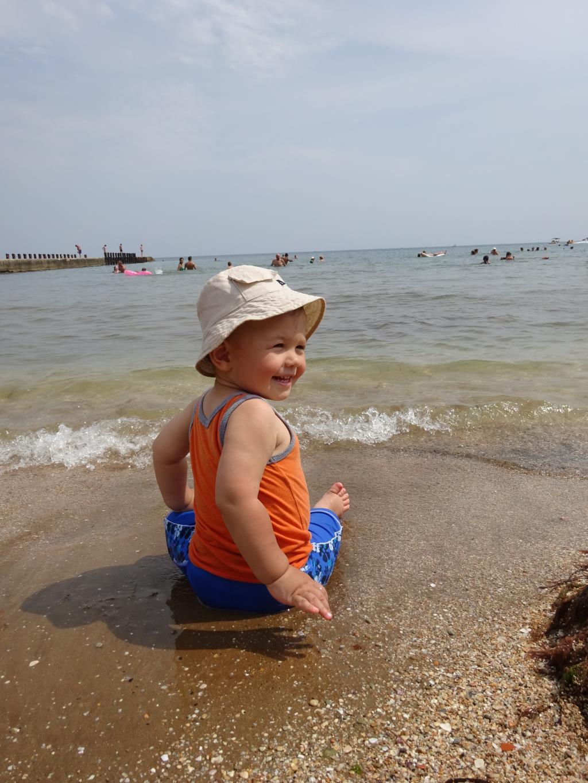Сыночек первый раз на море!. Летнее настроение
