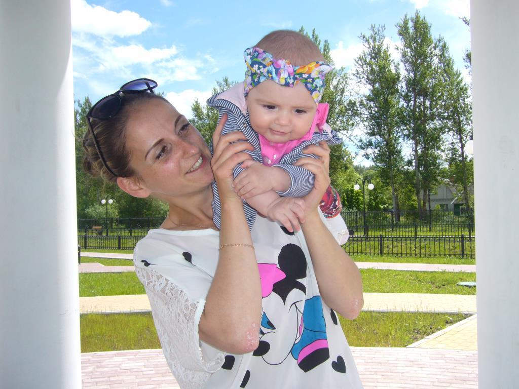 Мамочка и лапочка  дочка . Совершенно летние!