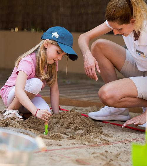 Юные археологи Costa Navarino