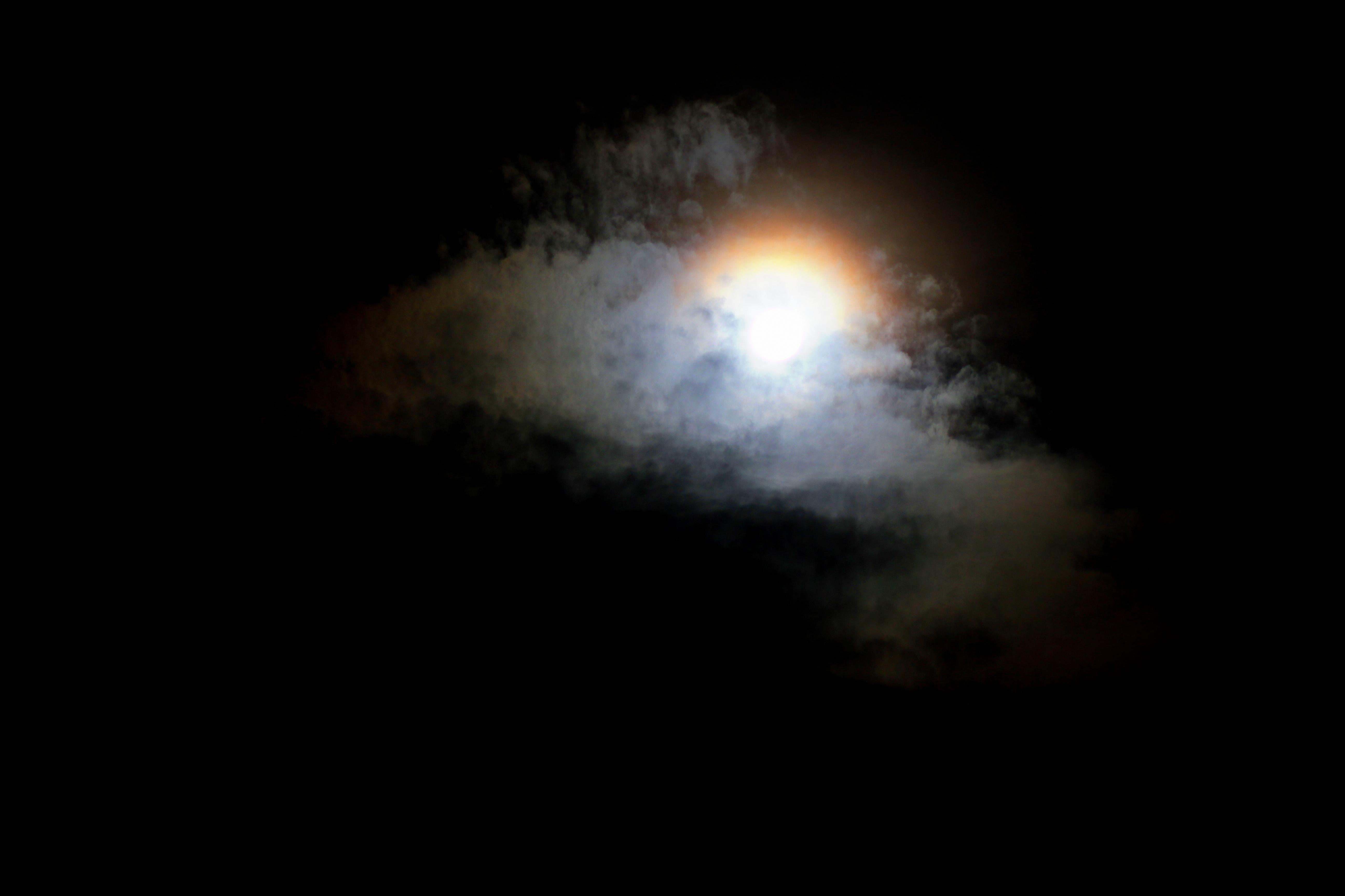 Под белым одеялом.. Блиц: луна