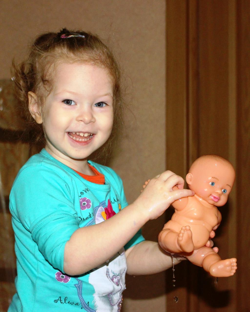 Кукла Женя нашей Насти отражение!. Читаем и играем