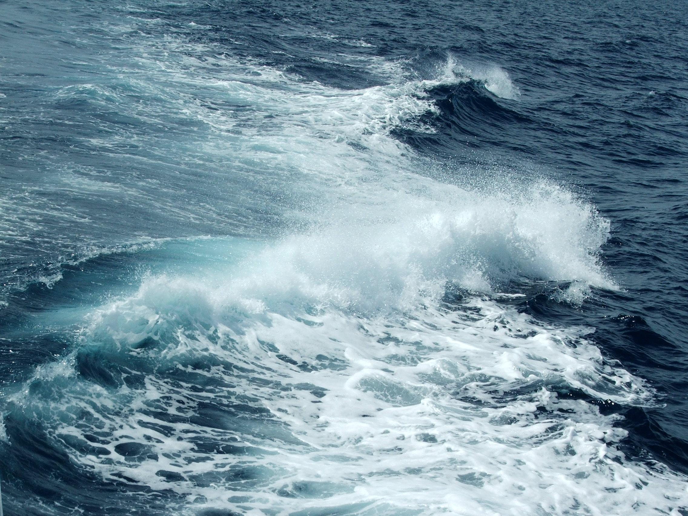 Гармония морской волны. Блиц: брызги