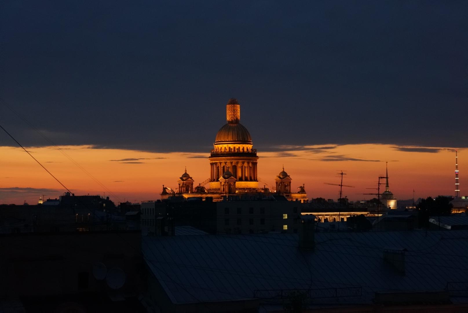 Закат над Исакием с крыши.. Блиц: Санкт-Петербург
