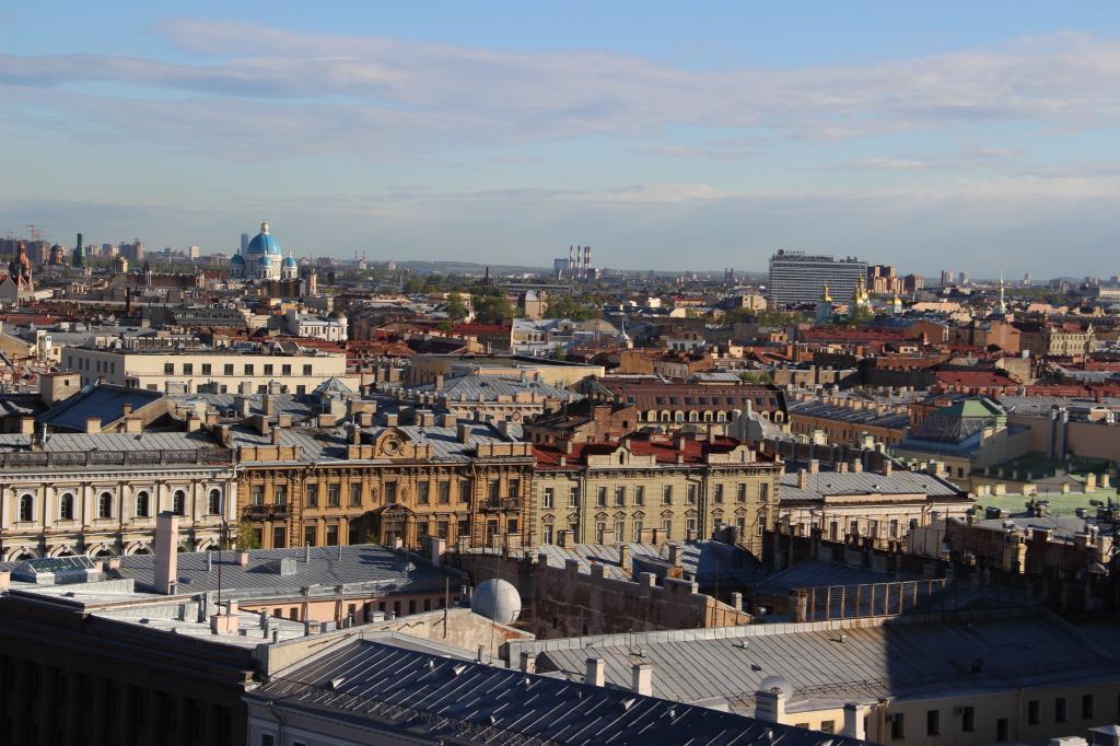 Вид с Исаакиевского собора. Там можно обнять небо.. Блиц: с высоты