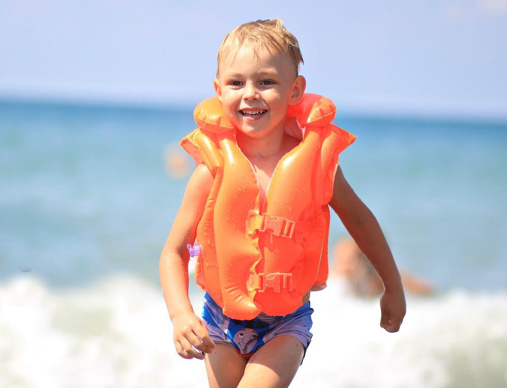 Лето – это море солнца, света и тепла…Это радости . Совершенно летние!