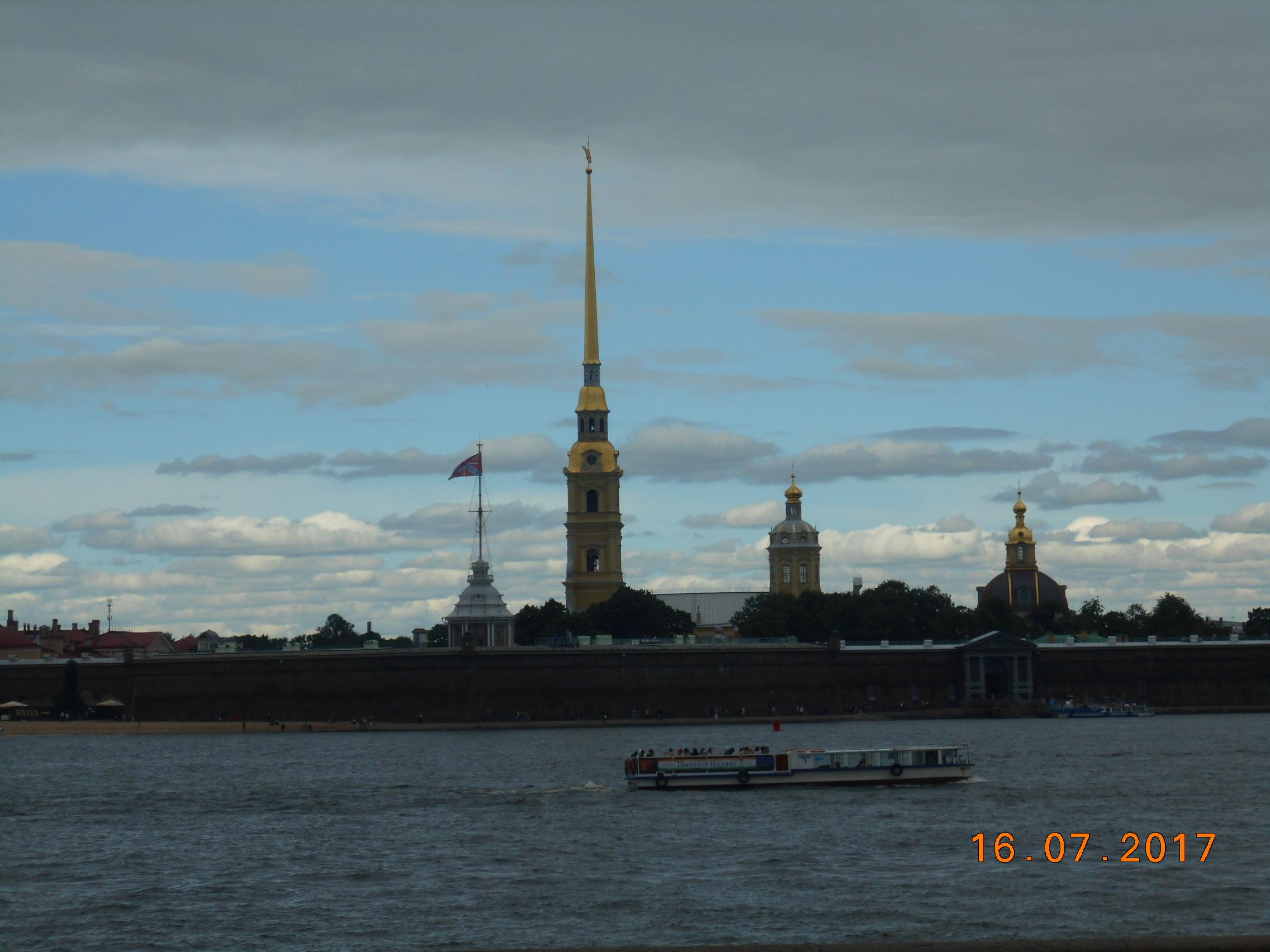 Вид на Петропавловскую крепость. Блиц: Санкт-Петербург