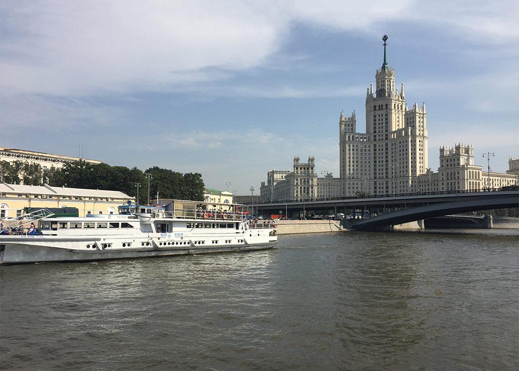 Прогулка по реке. Блиц: Москва