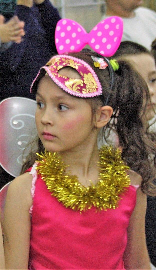 Новогодний бал. Принцесса собирается на бал